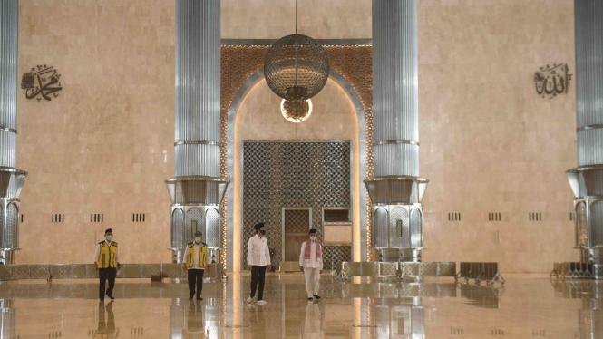 Presiden Jokowi meninjau perkembangan renovasi Masjid Istiqlal beberapa waktu lalu