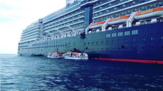 VIVA Militer: Danlantamal Pimpin Evakuasi ABK MV. Amsterdam