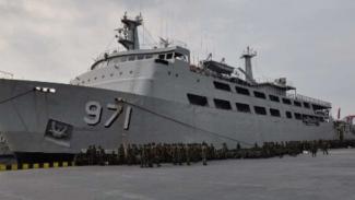 VIVA Militer: KRI Tanjung Kambani 971