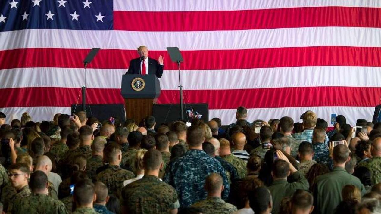 VIVA Militer: Donald Trump, di hadapan pasukan Angkatan Bersenjata AS