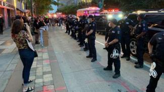 Bebaskan Warga Demo Anti Rasisme, Wali Kota NY Batalkan Acara Besar