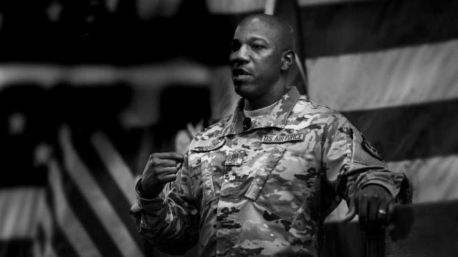 VIVA Militer: Kaleth O Wright