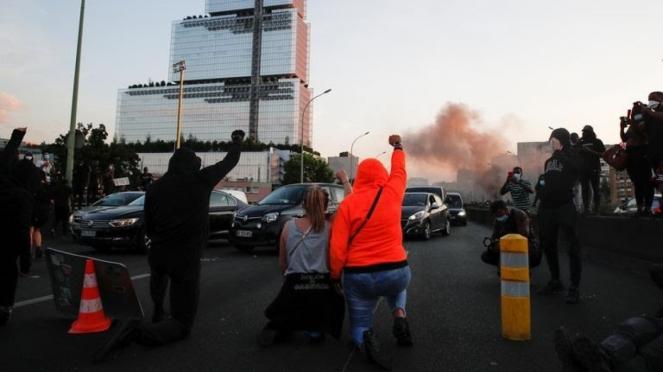 Aksi protes kematian George Floyd di Paris berakhir ricuh