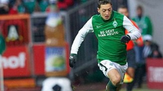 Mesut Oezil saat membela Werder Bremen.