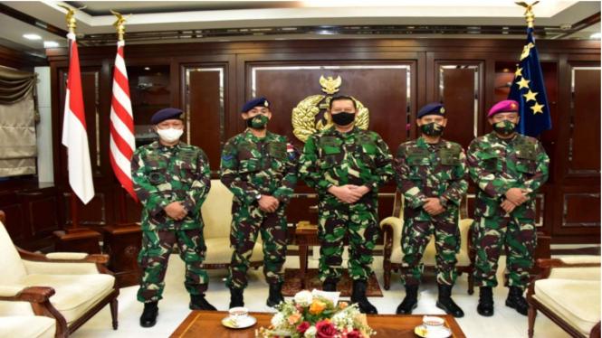 VIVA Militer: KSAL Beri Apresiasi 3 Prajurit