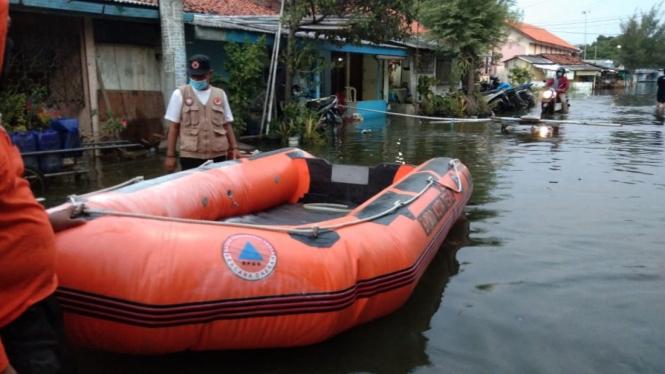 Banjir Rob Tegal.