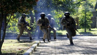 VIVA Militer: Prajurit Hiu Petarung Jalani Latihan Pertempuran Jarak Dekat