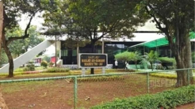 VIVA Militer: Masjid As Samawi Mabes TNI AU Jalani Salat Jumat Pertama