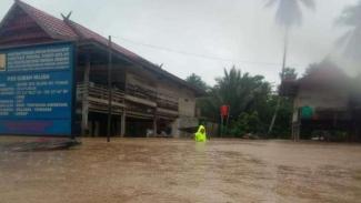 Banjir melanda salah satu wilayah di Indonesia.