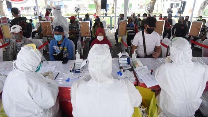 Rapid test massal di Surabaya, Jawa Timur