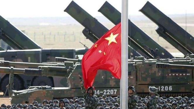 VIVA Militer: Kendaraan rudal balistik Tentara Pembebasan Rakyat China (PLA)