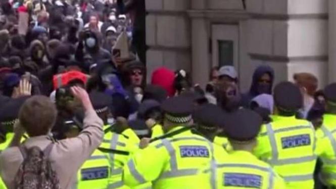 Demo Black Lives Matter berujung rusuh di Inggris