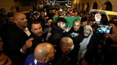 https://thumb.viva.co.id/media/frontend/thumbs3/2020/06/09/5ededbb15b2ab-warga-palestina-penyandang-autisme-dicurigai-teroris-dan-ditembak-mati-oleh-polisi-israel-pm-netanyahu-sebutnya-sebagai-tragedi_375_211.jpg