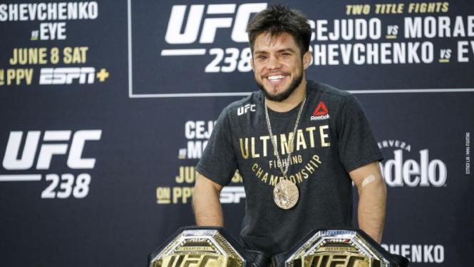 Mantan juara dua divisi UFC, Henry Cejudo