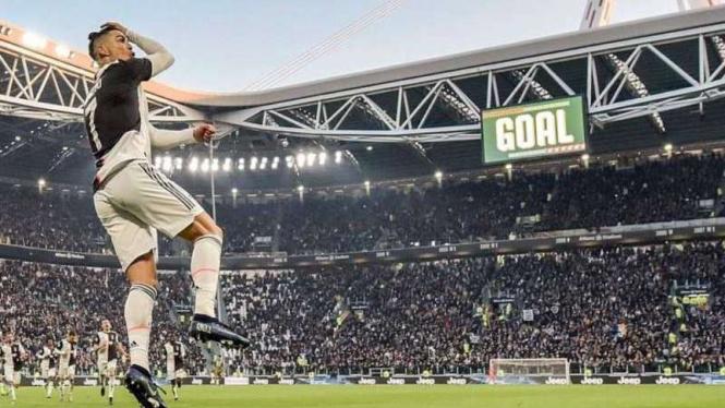 Juventus Gebuk Genoa, Ronaldo Pamer Gol Tendangan Roket