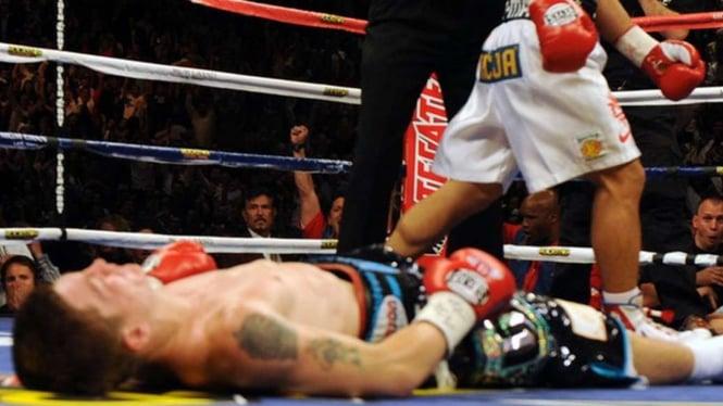 Ricky Hatton saat KO dihancurkan Manny Pacquiao