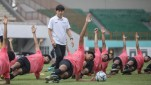 https://thumb.viva.co.id/media/frontend/thumbs3/2020/06/12/5ee2e6f98caef-pelatih-timnas-indonesia-shin-tae-yong_151_85.jpeg