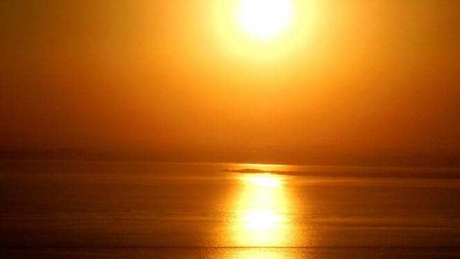 Sinar Matahari.