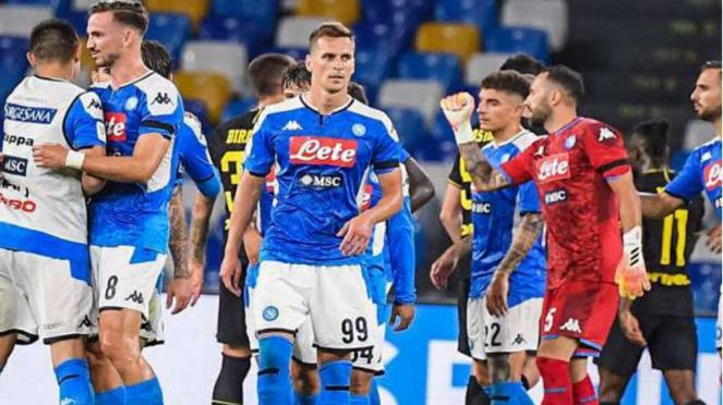 Pemain Napoli rayakan keberhasilan lolos ke final Coppa Italia.