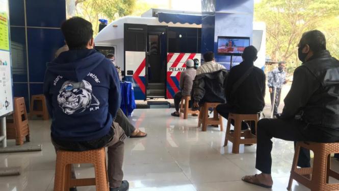 Pelayanan SIM Keliling di Satpas SIM Daan Mogot