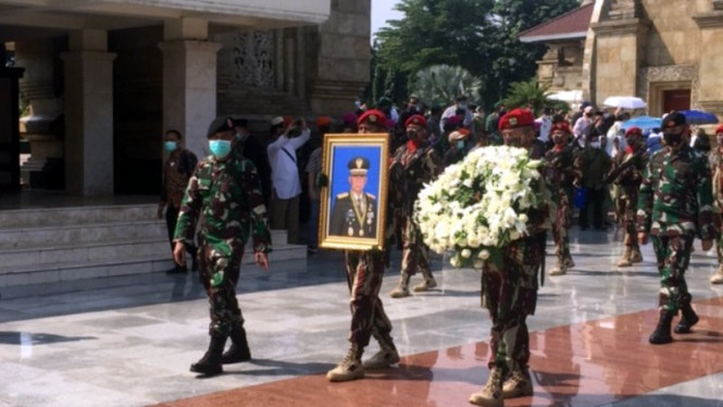Mantan KSAD Jenderal (Purn) Pramono Edhie Wibowo dimakamkan di TMP Kalibata