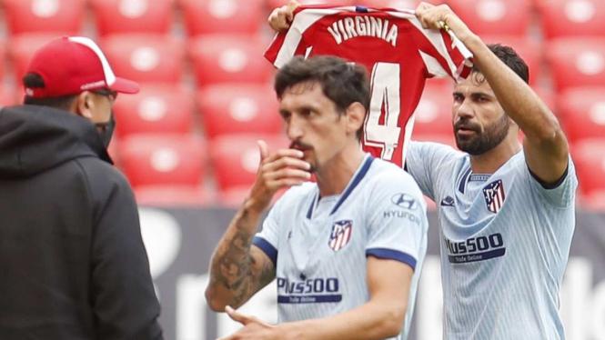 Selebrasi Diego Costa setelah mencetak gol