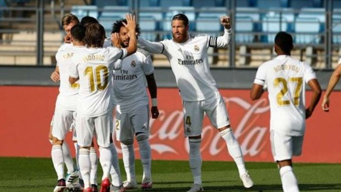 Pemain Real Madrid rayakan gol
