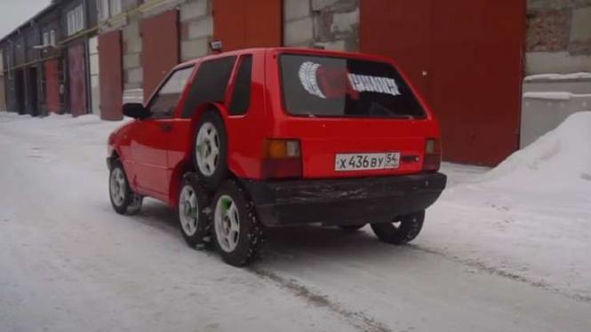Fiat Uno 8 roda.