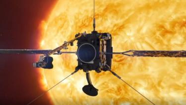 https://thumb.viva.co.id/media/frontend/thumbs3/2020/06/16/5ee8c79965ac5-dekati-matahari-wahana-tahan-panas-600-drajat-celcius-berada-di-jarak-terdekat-77-juta-kilometer-untuk-ambil-foto-langkah-yang-belum-pernah-dilakukan-sebelumnya_375_211.jpg