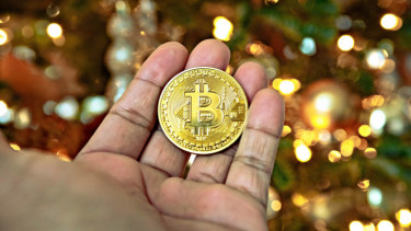 https://thumb.viva.co.id/media/frontend/thumbs3/2020/06/17/5ee9c8d59df91-indodax-aktifkan-lagi-brand-lama-beli-bitcoin-online-kini-makin-gampang_375_211.jpg