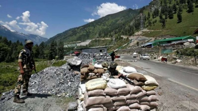 VIVA Militer: Tentara India berjaga di wilayah perbatasan Ladakh