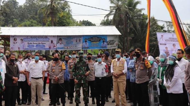 Forkopimda Sumatera Barat mengunjungi Kampung Tangguh Covid-19 di Payakumbuh