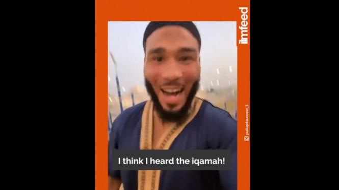 Pebasket Muslim girang dengar Iqamah.