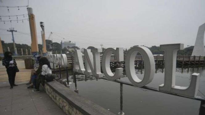 Suasana kawasan Taman Impian Jaya Ancol jelang pembukaan kembali