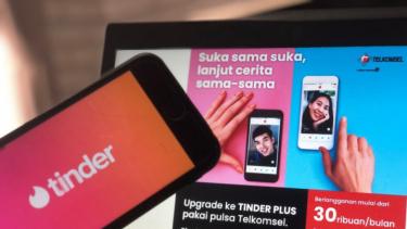https://thumb.viva.co.id/media/frontend/thumbs3/2020/06/19/5eeca1bf6b5d3-telkomsel-hadirkan-kemudahan-pelanggan-berlangganan-fitur-premium-tinder_375_211.jpg