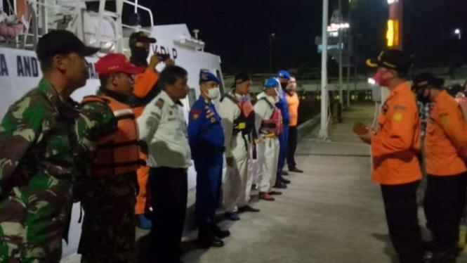 KM Puspita Jaya tenggelam, pencarian korban dilakukan