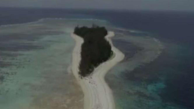 Pulau Malamber di Selat Makassar Sulawesi Barat.