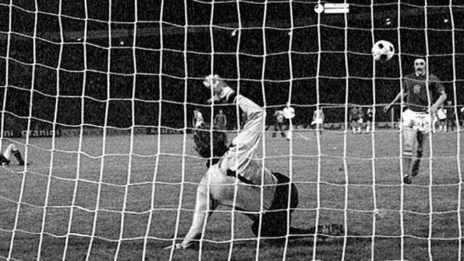 Penalti Antonin Panenka di final Piala Eropa 1976