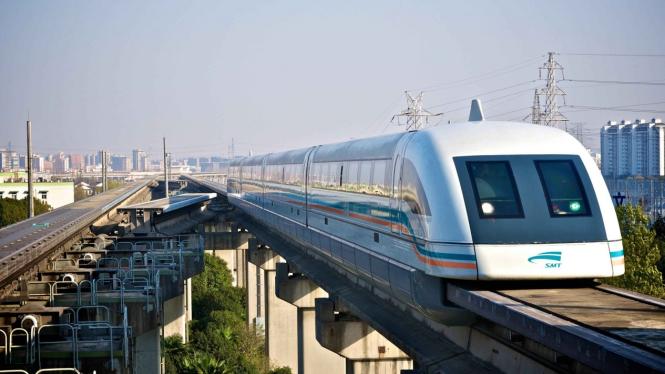 Shanghai Maglev. Image via: Reddit