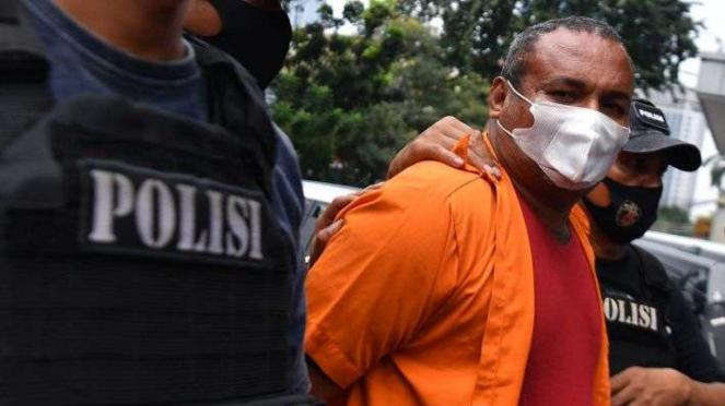 John Kei ditahan polisi di Polda Metro Jaya Jakarta, Senin (22/6/2020).
