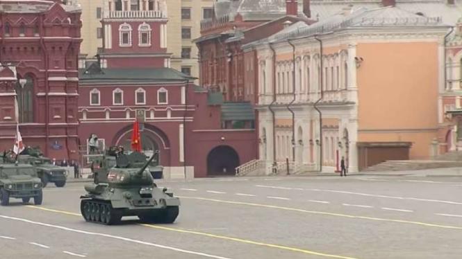 VIVA Militer: Tank tua Rusia.