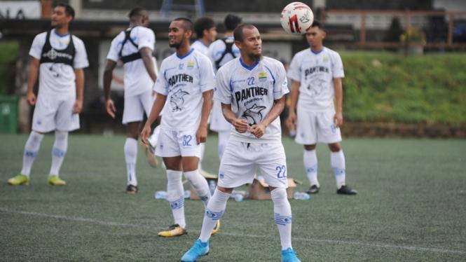 Bek Persib Bandung, Supardi Nasir