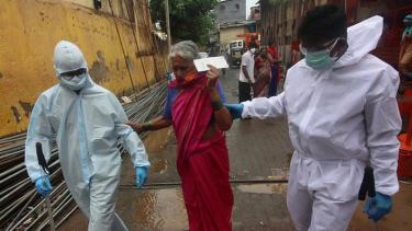 https://thumb.viva.co.id/media/frontend/thumbs3/2020/06/24/5ef2d497377ae-covid-19-di-india-cerita-bagaimana-kawasan-terkumuh-di-asia-berhasil-menghambat-virus-corona_375_211.jpg