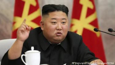 https://thumb.viva.co.id/media/frontend/thumbs3/2020/06/24/5ef304a80b153-kim-jong-un-redam-saudara-perempuan-dan-tunda-aksi-militer-ldquo-terhadap-korsel_375_211.jpg