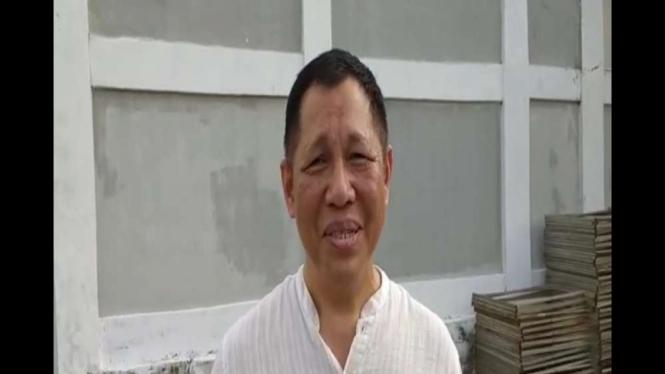 Tommy, perwakilan pihak keluarga Abah Surya Atmaja yang mengundang Rhoma Irama dalam acara khitanan anaknya