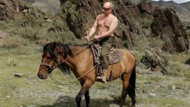 https://thumb.viva.co.id/media/frontend/thumbs3/2020/06/25/5ef3e9dd4e095-vladimir-putin-bisa-berkuasa-selama-36-tahun-melalui-referendum-yang-menjadi-penentuan-pemimpin-rusia_375_211.jpg