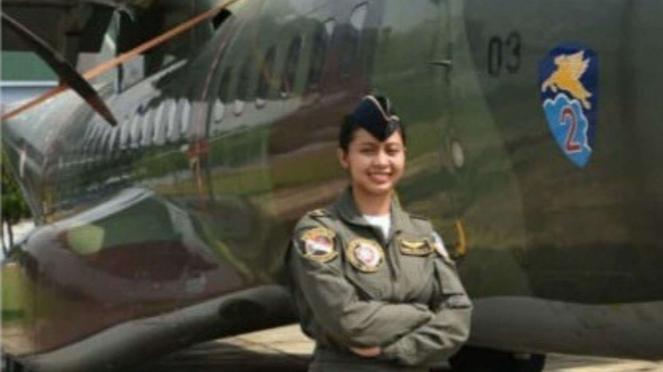 VIVA Militer: Letda Kal Dewa Ayu Ardikna Suari, Load Master Perempuan Pertama