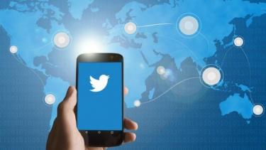 https://thumb.viva.co.id/media/frontend/thumbs3/2020/06/26/5ef5ae8beedcb-waduh-data-pengguna-twitter-katanya-bocor-cuma-berlaku-buat-pengguna-yang_375_211.jpg