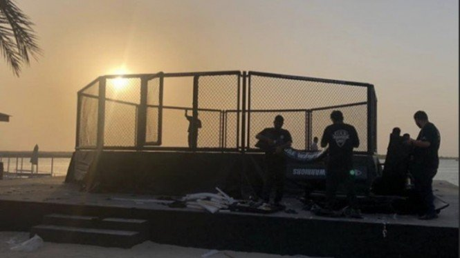 Oktagon pinggir pantai yang dibangun UFC di Pulau Yas, Abu Dhabi