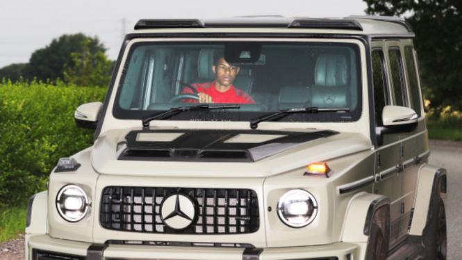 Striker MU, Marcus Rashford, dengan mobil sangarnya, Mercedes G-Wagon